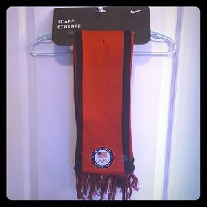 USA OM NIKE LOCAL VERBIAGE SCARF A21591